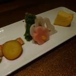 野菜割烹 あき吉 - 菜の花おひたし、酢蓮、さつま芋蜜煮、チーズカステラ