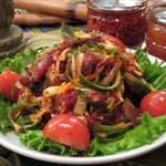 アンコール・ワット - 牛たたきの辛いサラダ