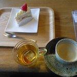十勝トテッポ工房 - てんさいショートケーキ、コーヒー