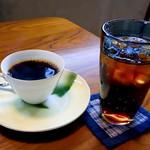 シウンカフェ - コーヒーとアイスコーヒー