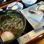 葛の店 まる志ん - 葛そばと鯖寿司は店の看板メニュー。