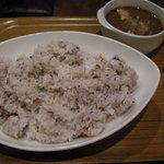アキバ海岸 - 黒豚海岸カレーと十穀米大盛