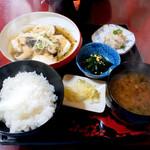 いろり庵 - 豆腐と鶏ミンチのしんじょうあんかけ