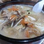 味楽亭 - 料理写真:・野菜塩タン麺 699円