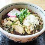 おみやげ・お食事処 神田家 - 『筑波地鶏そば』 地鶏の出汁がたっぷりとしみこんだスープが絶品