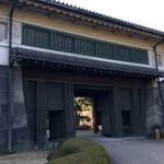 カンダコーヒー - 平川門