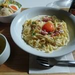 cafe 帆呂 horo - カルボナーラ。サラダ、スープ、コーヒー付き。