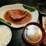 酒房肴町 - 本日のランチ 赤魚の煮付け 730円