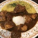 カレーの店 マボロシ - 【2017.2.4】チキンカレー¥900+温泉たまご¥100