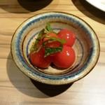 62335525 - トマトの酢漬け