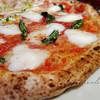 イルミナンテ - 料理写真:ピザ(マルゲリータ部分)