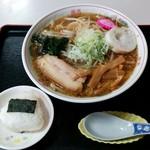 そば処 更科 - 正油ラーメン(700円)