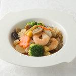 横浜大飯店 - 八宝菜