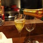Craft WINE N - レオン・パレブリュットブラン・ド・ブラン シャンパーニュ製法で作られたスパークリングワイン