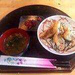 居酒屋 花まる - 海鮮天丼(ごはん少なめ)