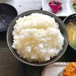 金重 - 大盛のご飯【料理】