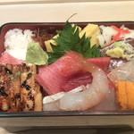 六本木 福鮨 - 特製ちらし鮨。必ずご満足頂ける一品です。