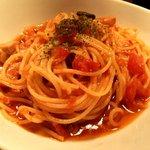 イニミニマニモ - サルシッチャとトマトのブッタネスカ