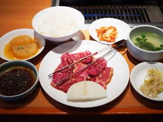 アジヨシ 別館 - 焼肉定食