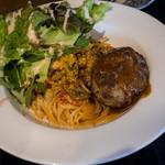 CHILLING - 「ナポリタン&ハンバーグ」(1,000円)スープとパン付。カフェ飯として最高!