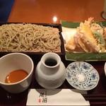 手打そば 尾沼 - 天ぷらそばです。