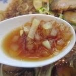 麺処 山百合 - 玉ねぎタップリ