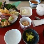 62348550 - 海鮮丼 1,950円