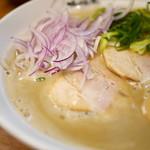 らーめん かつお拳 - 濃醇なスープが美味しい