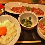 心呑 - ★★★☆ 牛たたきランチーTGK、味噌汁、キムチおかわり自由
