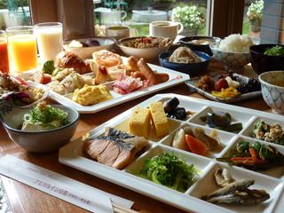 アピカルイン京都 - 朝食 7:00-9:00 1,620円にて