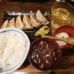 肉汁餃子製作所ダンダダン酒場 - 餃子ライス¥680-