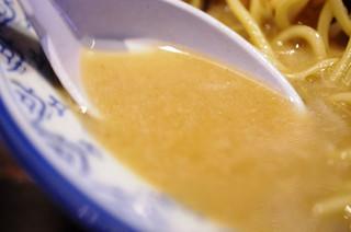 井手ちゃんぽん 天神店 - スープ