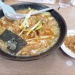 十文字家 - 肉味噌めんとミックスチップ!
