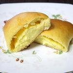 ottoパン - クリームパン 断面