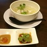 中華あんかけ工房 東陽閣 - ゴマタレと酢醤油