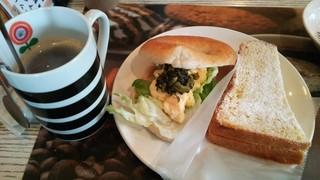 GOPAN - 卵と野沢菜のベーグル、モンティクリスト
