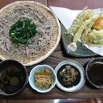 6238077 - 天もり蕎麦+ちたけ汁+ニラ(計1,250円)