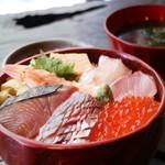 乃木坂 炭 - 天然魚の海鮮丼