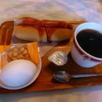 ワールド - 料理写真:アメリカンコーヒーとモーニングサービス