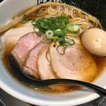 アンタイヌードルズ - チャーシュー麺+味玉