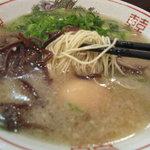 初代だるま - 麺アップ