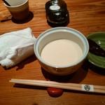 座房 - まずは豆腐?