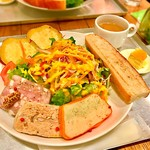 サラダレストラン Mr.&Mrs.GREEN -
