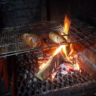 薪窯でじっくりと焼き上げる