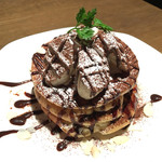 ビストキッチン - ショコラバナナ・スフレパンケーキ