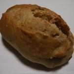 ワルン ロティ - 森の木の実のパン