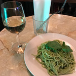バール・バッフォーネ - ジェノヴァ風リングイネと共に白ワインで!