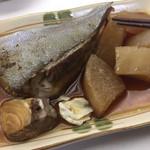 なかを酒店 - カンパチの煮たやつ 350円