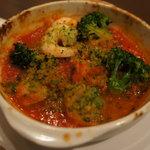 ちょい飲み酒場 イケバル - 魚介とブロッコリーのオーブン焼き 350円