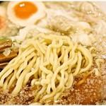 62402694 - 乱切り麺。多様な食感が楽しい!
